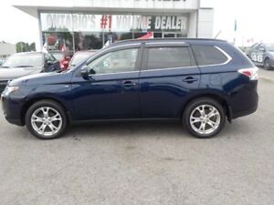 2014 Mitsubishi Outlander GT 4X4 ***SUPER LOW KMS'S!!!!
