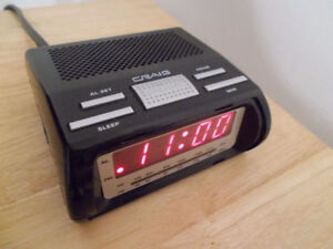 Radio Reveil / Alarm Clock Radio
