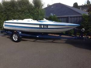 Ski Boat - 1989 River Runner Beaconsfield Cardinia Area Preview