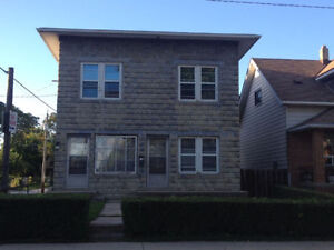 3 BR Apartment Located in Central Windsor