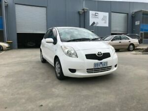 2007 Toyota Yaris NCP90R YR White 5 Speed Manual Hatchback Newport Hobsons Bay Area Preview