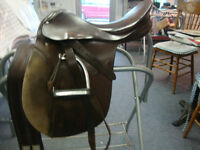 Stubben Tristan all purpose saddle - 17-1/2""