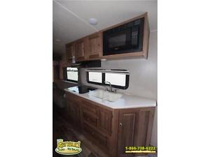 NEW 2017 Forest River Shamrock 19 Hybrid Travel Trailer Windsor Region Ontario image 13