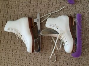 """RIEDELL Figure Skates- Boot size 12, blade size 7 3/4"""""""