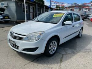 2008 Holden Astra AH MY08.5 60th Anniversary White 4 Speed Automatic Hatchback Lansvale Liverpool Area Preview