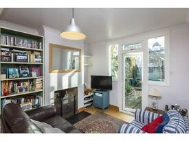 2 bedroom flat in Longfield Street, Wandsworth, London, SW18