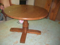 Dinning room table with 2 leafs and 6 chairs  NEW PRICE