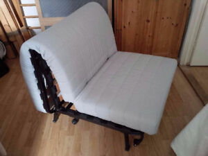 Lycksele kijiji free classifieds in toronto gta find for Divano futon ikea