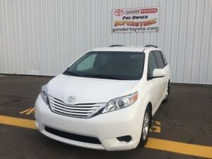 2015 Toyota Sienna FWD LE 8 Passenger, 6y/120,000km Extended War