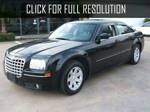 2005 Chrysler 300 part out