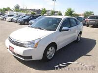 2010 Ford Focus SE ** WOW LOW KMS !! ** !!