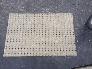 Different size carpets Cornwall Ontario image 2