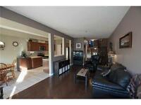 Spacious lovely 3 Bed/bthrm townhouse Ancaster-finished basement