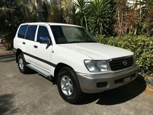 2000 Toyota Landcruiser HDJ100R GXL (4x4) White 4 Speed Automatic 4x4 Wagon Bowen Hills Brisbane North East Preview