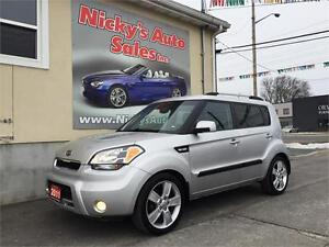 2011 Kia Soul 4U, LUXURY, LEATHER, SUNROOF, BACKUP CAMERA!