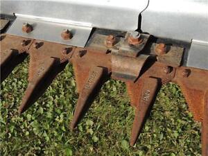 2012 New Holland 880CF-45' Flex Draper Header BELOW COST!!! Regina Regina Area image 10