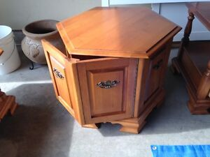 2 solid maple side tables - excellent condition - sold separate London Ontario image 1