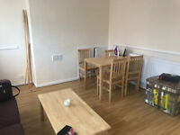 Large split level 3 double bedroom flat in SE17 Elephant and Castle with balcony.