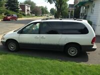 1996 Plymouth Grand Voyager Fourgonnette, fourgon