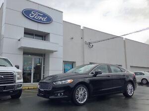 2016 Ford Fusion SE with Leather, Navigation, Reverse Camera and