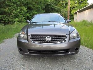 2005 NISSAN ALTIMA 2.5 S WITH 190000 KM WITH SAFETY &E TEST