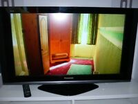 "BARGAIN Panasonic TX37LZD70 FULL HD 1080P 37"" LCD TV with Freeview. SECOND HAND, 6 MONTH WARRANTY"