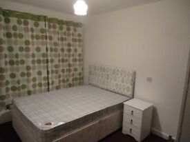 Student room close to universities and city center including parking space on drive