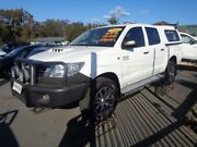 2015 Toyota Hilux KUN26R MY14 SR (4x4) White 5 Speed Automatic Dual Cab Pick-up Sandgate Newcastle Area Preview