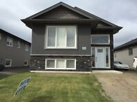4 Bedroom House - Gemstone Estates - 2400sq ft - Move In Ready!