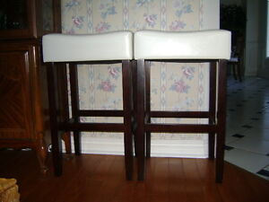 Two Cream leather chairs Peterborough Peterborough Area image 3