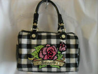 BETSEY JOHNSON DESIGNER HAND BAG / NEW....TAG ATTACHED