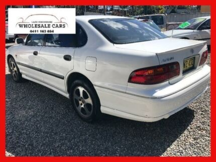 2000 Toyota Avalon MCX10R CSX White 4 Speed Automatic Sedan