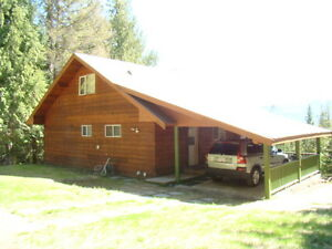 beautiful vacation home in shuswap lake anglemont