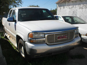 2000 GMC Sierra 1500 4x4, 5.3 x.cab, 6.5 ft box =ONLY FOR PARTS=