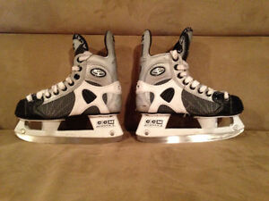 Hockey skates sizes 2 and adjustable 8J-11J >> $20