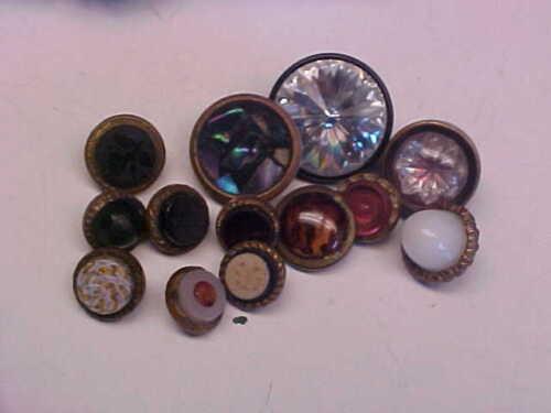 Old Antique & Vintage Asst. Buttons Lot nice color some Flower design