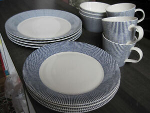 "Dishware, Royal Doulton, 15 pc, ""Pacific"" Brand New"