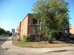 College Park - 2 Bedroom East Side Apartment! Quiet Street!
