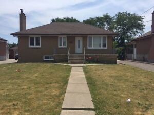 DETACHED BUNGALOW Dufferin and Yorkdale Mall 3 bdrs, 2 baths