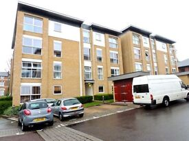 Beautifully presented 1 double bed, first floor apartment in Highwood Close development in SE22.