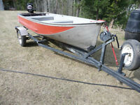 12 ft Harbercraft aluminum boat, 7.5HP Merc + trailer