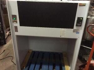 Hotte de laboratoire ou peinture ou travaux divers - Laboratory exhaust hood, cabinet