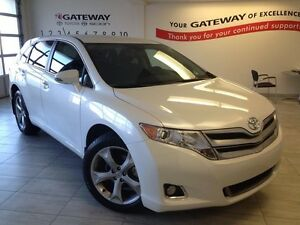2016 Toyota Venza LE V6 4dr All-wheel Drive - Only 17K, Power Dr
