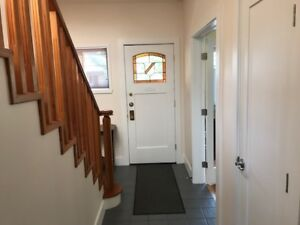 Furnished 2 bedroom home in Mountainview: 5-6 month rental