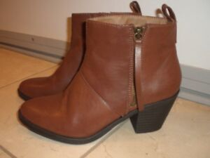 NEW Brand Name Leather Ankle Boots, Size 8.5