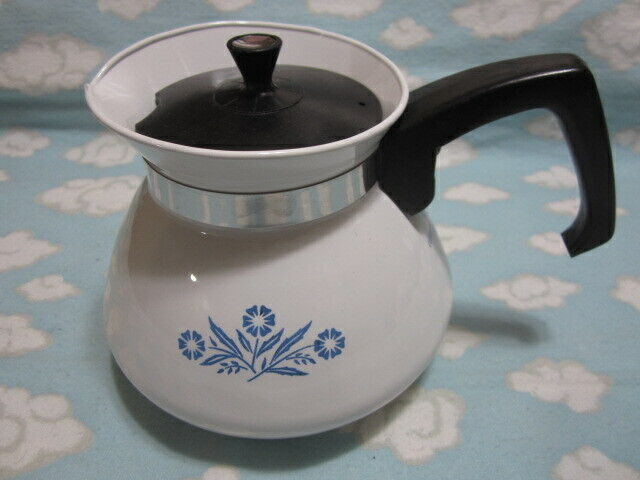 CORNING/CORELLE=CORNFLOWER BLUE TEA POT=REAL NICE !!