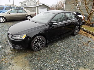 2013 Volkswagen Jetta Leather $ 13,900.00 Call 743-2551