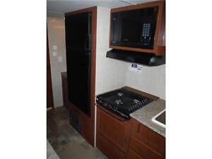 2016 Canyon Cat 27FQC Travel Trailer with Bunkbeds- Sleeps 8 Stratford Kitchener Area image 10