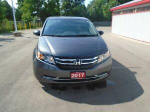 2017 Honda Odyssey SE 4dr FWD Passenger Van