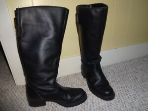 Women's Leather Winter boots size 5